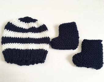 Newborn Knit Hat and Booties Set, Baby Shower Gift, Knit Baby Gift, Baby Photo Prop, Newborn Hat, Gender Neutral Knit Hat Set
