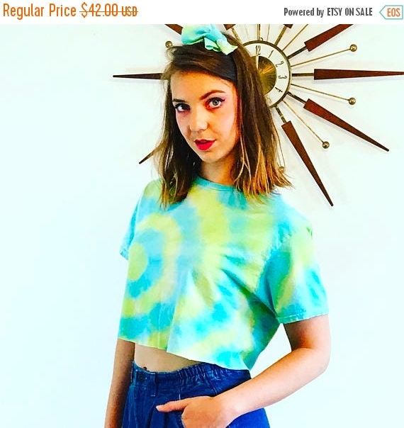SALE 50% OFF Vintage Crop Top Tie Dye T-Shirt Cotton Green Yellow Colorful Short Sleeve Dead Head Hippie Trippy Spiral Festival Cropped Tee