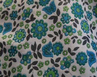 Dressmaking, polished cotton