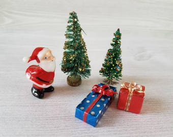 Vintage Santa Miniature Set