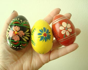 Polish Easter eggs, set of 3 Pysanky hand painted vintage wood eggs, 1980s Pysanka, black red yellow flowers, Polish folk art, kitchen decor