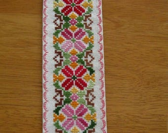 Gorgeous Hand Stitched 28C Evenweave Fabric Variegated Flower XStitch Bookmark