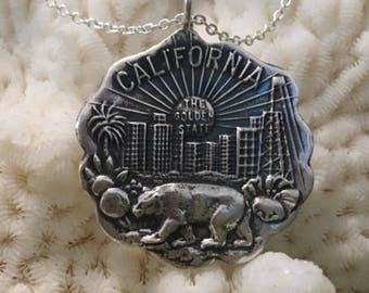 "Vintage ""California"" State Seal Reproduction Pendant Necklace"