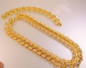 SALE & FREE SHIPPING Vintage Monet Gold Plated Necklace and Bracelet Set Leaf Branch Jewelry Jewellery