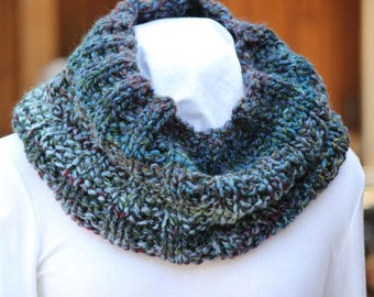 Chunky Blue Cowl, Hand Knit Cowls, Chunky Blue Scarf, Blue Scarves, Wool Cowls, Winter Accessory