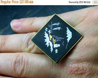 SALE MIHO // Watching sails. Vintage Jet inlaid & Gold Filled brooch upcycled ooak ring