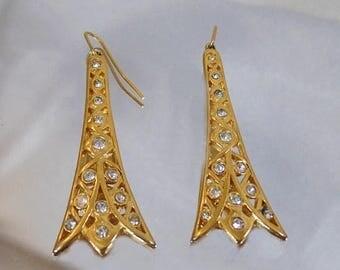 SALE Vintage Eiffel Tower Rhinestone Earrings.  Monet.  Gold Tone Rhinestones Eiffel Tower Earrings by Monet.