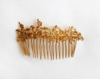 Daisies Comb, Bridal Gold Flower Comb, Floral Comb, Hand Made Special Gift For Her, Bridal Accessories, Nature Inspired Jewelry, Boho Comb