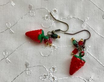 Vintage Red Strawberries Lucite Earrings Green Doodaba