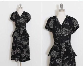 25% OFF SALE Vintage 40s Dress | vintage 1940s dress | painted floral stencil | m/l | 5902