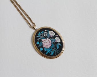 vintage 70s Avon oversized pendant necklace