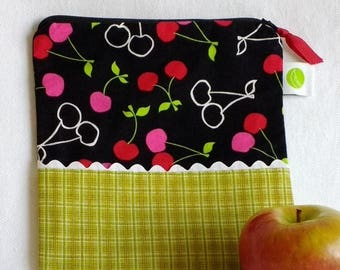 "On Sale Reusable Sandwich / Snack Bag - 7.5"" x 7.5""- Food safe PUL lined, Zippered, Machine Washable"