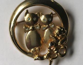 Sweet Vintage Cat Lovers in the Moon Brooch