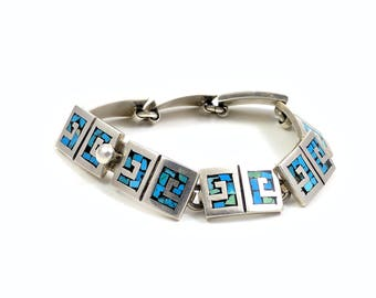 Vintage Taxco Mexico Sterling Silver inlaid Turquoise 7 Inch Bracelet Greek Key Motif Chain Link Bracelet Bold Outstanding Design and Detail