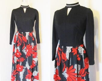 40% OFF SALE Vintage 1970's Long Maxi Dress / Novelty Print Retro Polyester Red and Black Floral Mod Dress Size S/M