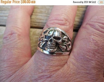 ON SALE Skull and crossbones ring in sterling silver