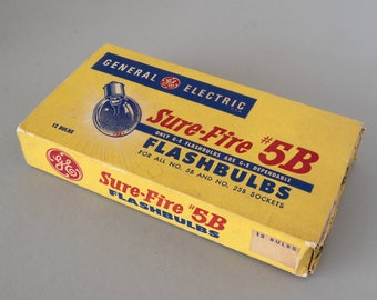 Box of 11 General Electric Sure Fire 5B Flash Bulbs Blue Unused Vintage Photography