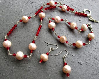 Freshwater pearls, necklace and earrings, red and white, jewelry set