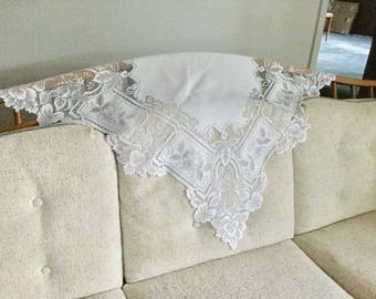 Vintage flower pattern square white lace sofa table top doily home decor, vases