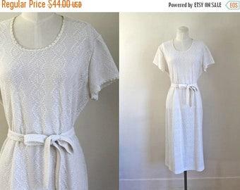 AWAY SALE 20% off vintage 1970s crochet dress - FROST white open knit dress / L