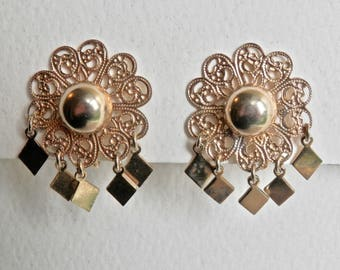 Vintage Daisy Earrings Goldtone Filigree Dangles Flower Earrings Vintage Screwbacks Retro 1950s 1960s Daisy Jewelry Vintage Floral
