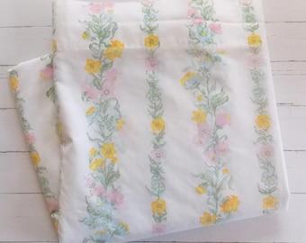 Vintage Double Flat Sheet  / Pastel  triped Floral / Vintage Linens