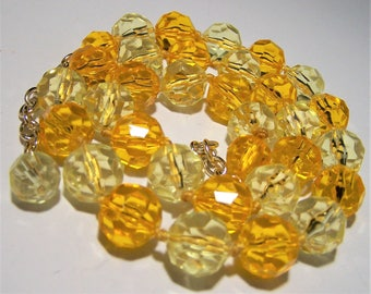 Faceted Lucite Yellow Bead Necklace,  Yellow Orange Bead 25in Necklace, Mid Century Beaded Necklace, Costume Jewellery, Vintage Jewelry 617