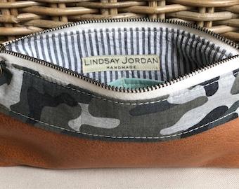 Army green, gray, black cotton CAMOUFLAGE & cognac sheepskin LEATHER wristlet pouch: seafoam green pockets | black, white seersucker lining