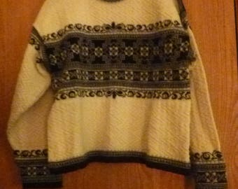 Dale of Norway Nordic vintage Wool Sweater Black and Cream Size L