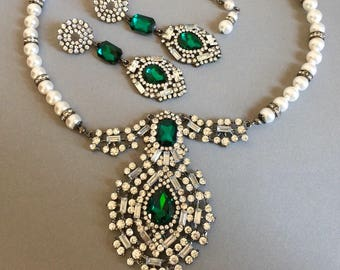 Green Rhinestone Necklace Set with Emerald Green Necklace Long Green Earrings Pearl Swarovski Pearls bridal wedding jewelry