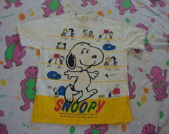 Vintage 1980's SNOOPY Peanut's Gang 1982 Cartoon All Over Print Punk rock T Shirt Adult size M