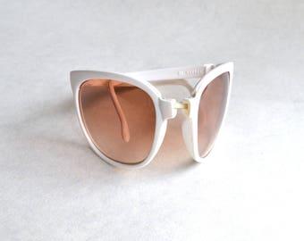 1970s 80s White ombré lens folding sunglasses / 1980s 70s collapsing pocket Sunpocket eyeglasses