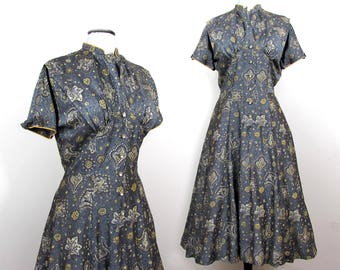 R&K gray paisley dress with flared skirt and rhinestone buttons - 1940s-50s - Med
