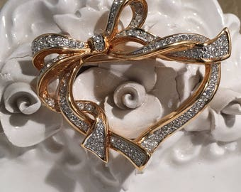Pretty Rhinestone Heart Entwined in A Ribbon