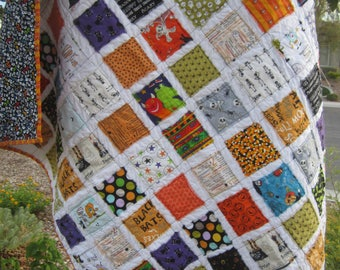 Boo........A Halloween Fray Edge Quilt....Ready to Ship