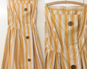 60s swing dress, mid century style, mustard yellow and big wooden buttons XS