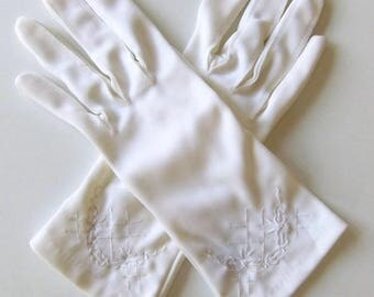 Vintage 60's Women's Gloves White Stretch Nylon Embroidered Design Made in Hong Kong  Size 7.5 - 8.5