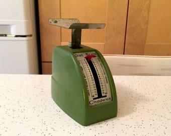 Vintage Diet Scale in Avocado Green by Chadwick / Made in Japan