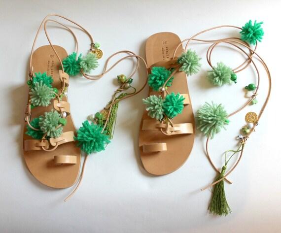 Green pompom sandals, womens gladiators green, greek sandals Leather sandals  sandales pom pons, sandales femme
