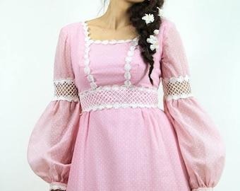 MEMORIAL SALE 70s Vintage Maxi Dress LATTICE Lace & Daisies Pink Polkadot Prairie Maxi  // Vintage Clothing by TatiTati Style on Etsy