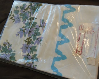 Oriental Blossoms Floral Tablecloth, Vintage Labeled New & Unused In Package By Stevens Simtex