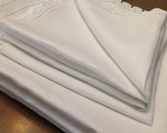 Pure Irish Linen TABLECLOTH and NAPKIN SET: White with eyelet cotton trim