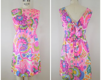 Vintage 1960s Psychedelic Mini Dress / Bright Pink Neon / XS