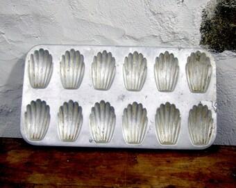 Madelienes tin Vintage French Madeline baking pan 12 aluminium aluminum cake baking tin