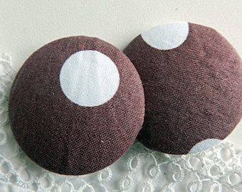 Button pink fabric with dots, 40 mm / 1.57 in diameter