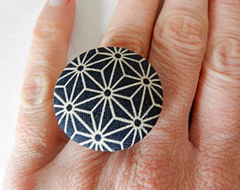 Adjustable ring with Japanese fabric