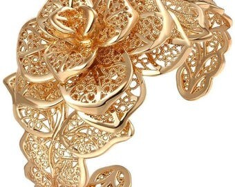 Camellia  Flower  Cuff Bracelet  18kt Gold Plated