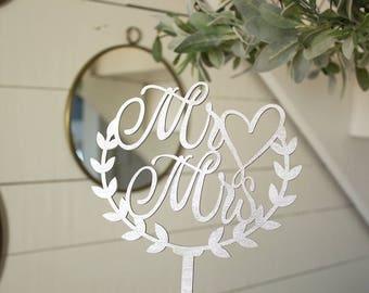Mr and Mrs Wreath Cake Topper Wedding Cake Topper Heart Cake Topper