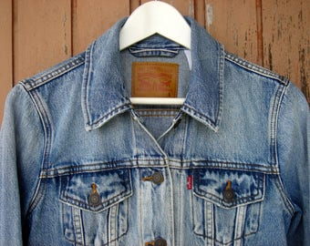 LEVIS jeans jacket faded washed blue // Levi's Classic Jacket Small Denim 90s