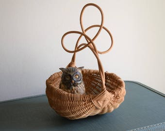 Small Unique Vintage Woven Basket - Boho, Farmhouse, Natural, Ecletic